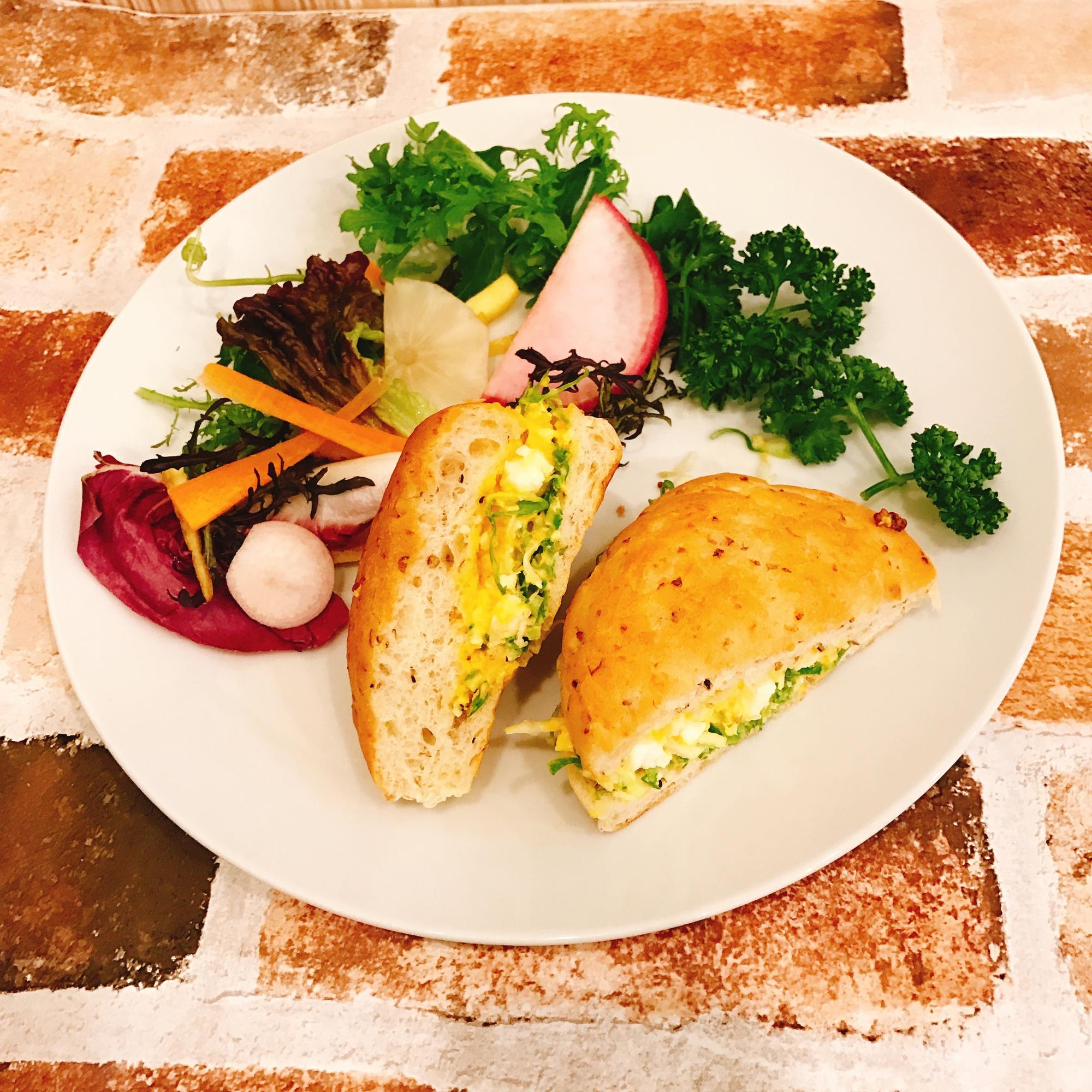 玄米パンのたまごサンド&季節の日替わりスープ・サラダSet